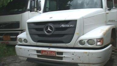 Polícia encontra caminhão roubado em Guarulhos sem a carga - A polícia encontrou após um dia inteiro de procura um caminhão roubado com 14 toneladas de dinamite.