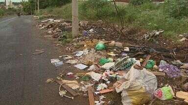 Fiscalização Geral flagra entulho irregular em Ribeirão Preto, SP - Depósito era feito em local de preservação ambiental.