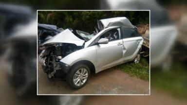 Professora de Guarapuava morre em acidente na BR-277 em Irati - O acidente foi na madrugada deste sábado. A professora perdeu o controle da direção e bateu em um ônibus. Ela morreu na hora. Enterro será neste domingo em Catanduvas.