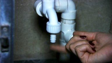 Testes avaliam aparelho que promete bloquear ar e baixar conta de água - O Fantástico foi na casa de consumidores que usam o aparelho e também testou a eficiência do produto no laboratório da Universidade de São Paulo.