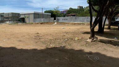 Prefeitura promete quadra de lazer em Jardim Guadalajara, Vila Velha, ES - Promessa é que quadra fique pronta até o dia 30 de junho.