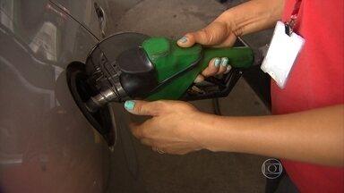 Preço do combustível pode subir pela terceira vez neste ano em MG - Nesta quarta-feira, alíquota do ICMS sobre a gasolina no estado sobe de 27% para 29%, o que deve pesar mais uma vez no bolso do consumidor.
