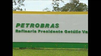 Nova denúncia na Lava Jato envolve Diretoria de Serviços da Petrobras e acusa 27 pessoas - O ministério Público identificou mais de oitenta milhões de reais em corrupção nas obras da refinaria de Araucária, a Repar.