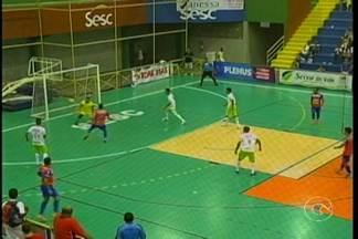 Veja como foram os jogos de sábado (14) na Copa TV GR - Uma goleada marcou os jogos do último sábado na Copa TV Grande Rio de Futsal