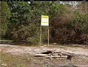 Parque do Mico Leão em Cabo Frio, RJ, deveria ser preservado mas está abandonado - Lixo e entulho são encontrados no local.