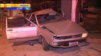 Acidente deixa dois feridos na Zona Norte de Porto Alegre - Motorista do veículo tinha sinais de embriaguez.