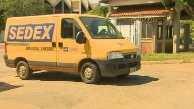 População reclama do serviço de entrega dos correios, em Porto Velho - Diretor informa que serviço aéreo está suspenso,o que justifica o problema.