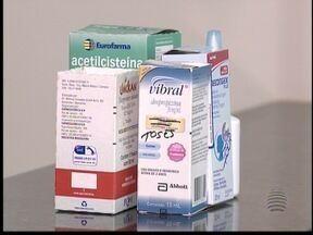 Remédios devem ser guardados separados para evitar incidentes - Muitos familiares confundem medicamentos com venenos ou produtos de limpeza.