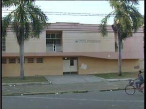 Professores da rede estadual de ensino fazem paralisação em Governador Valadares - Eles reivindicam aumento de salários com base no piso nacional.