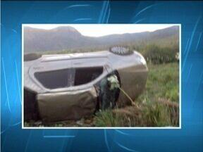 Rapaz de 24 anos morre após sofrer acidente na BR-367 próximo a Jequitinhonha - Segundo a PRF, ele teria perdido o controle do carro e capotado várias vezes.