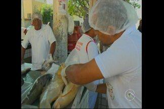 Agentes da vigilância de Petrolina realizaram fiscalização do no comério de peixes - O objetivo é verificar a qualidade dos peixes comercializados