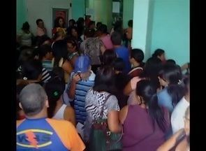 População reclama das condições de centro de imagem em Caruaru - Alguns pacientes chegaram e não conseguiram entrar no estabelecimento para receber o atendimento.