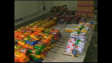 Banco de alimentos recebe doação de três toneladas de alimentos - Mais de 2,5 mil vão receber doações.