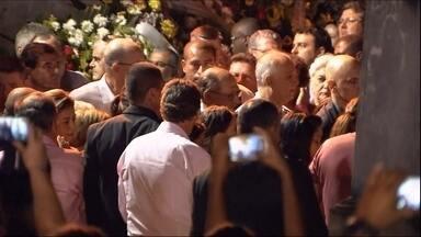 Thomaz Alckmin é enterrado em Pindamonhangaba (SP) - Thomaz Alckmin morreu em um acidente de helicóptero na tarde de quinta-feira (02). O enterro foi realizado em Pindamonhangaba, no interior de São Paulo, terra natal da família Alckmin.