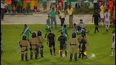 Jogadores se desentendem em campo em Vitória da Conquista - Veja o vídeo