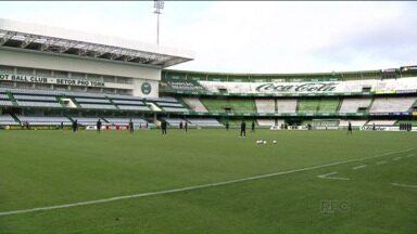 Com vantagem na decisão, clima é de tranquilidade no Coritiba - Coxa vai com o time completo para o segundo jogo do mata-mata contra o Cascavel