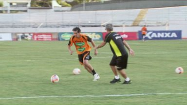 Maringá faz mistério para jogo de volta - Depois de vencer o jogo de ida, treinador do time não quer dar chances para os rivais do Tubarão