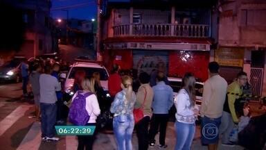 Quatro pessoas são assassinadas durante a madrugada na Zona Norte da capital - Pelo menos quatro pessoas foram assassinadas e uma ficou ferida em uma madrugada violenta no Jaçanã.