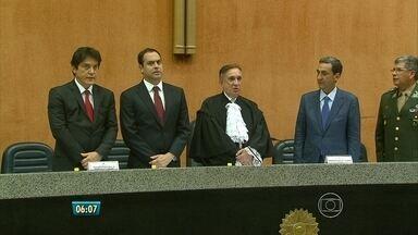 Nova mesa diretora do TRF-5 é empossada no Recife - Magistrados vão ficar à frente do Tribunal por dois anos.
