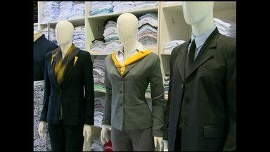 Confecção cria uniformes personalizados para empresas em SP - Os uniformes possuem novos desenhos, cores e modelagens especiais.