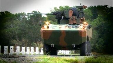 Conheça o novo blindado do Exército - A instituição que certifica materiais balísticos usados em carros de rua, conta agora com o Guarani. É a primeira viatura que protege contra minas terrestres.