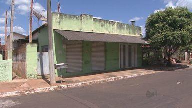 Comerciante morre após levar tiro em bar de Taiúva, SP - Suspeitos fugiram sem levar nada e polícia investiga crime.