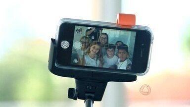 Colégio consegue bons resultados com o uso de aparelhos celulares durante as aulas - Professores procuram forma de usar a tecnologia para o melhor desenvolvimento dos alunos