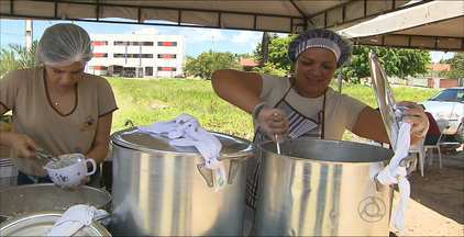 Tendas que vendem refeições prontas estão na moda em João Pessoa - Conheça uma dessas tendas que vendem feijoada.
