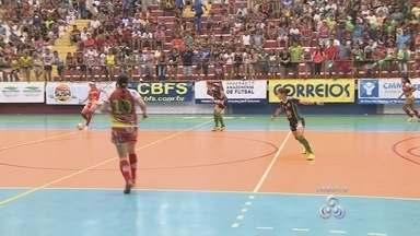 Quatro equipes estão na semifinal da Copa Rede Amazônica de Futsal - Competição tem uma das maiores premiações do Norte do país, certa de R$ 29 mil, no total.