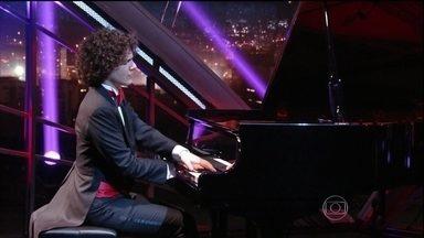 Fabio Martino encerra programa de segunda-feira com apresentação especial - Pianista foi um dos convidados do programa