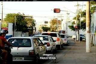 São João da Barra ganha semáforos mas não deixa motoristas totalmente satisfeitos - Motoristas reclamam da diferença do tempo entre os sinais verdes e vermelhos.