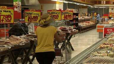 Cuidados com alimentos embutidos devem ser redobrados, diz especialista - Cuidados com alimentos embutidos devem ser redobrados, diz especialista.