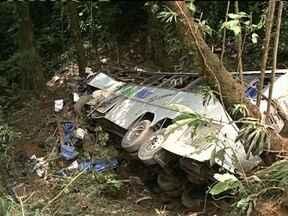 Laudos da perícia do acidente que deixou 51 mortos devem ser entregues nesta terça (14) - Laudos da perícia do acidente que deixou 51 mortos na Serra Dona Francisca devem ser entregues nesta terça (14)
