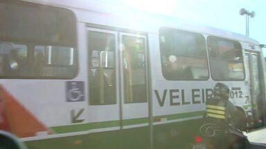 Veleiro fica obrigada a contratar 90 funcionários da Tropical de imediato - Sem protesto, os veículos da Veleiro circularam normalmente durante a manhã desta terça-feira (14).