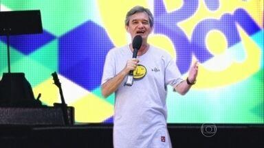 Serginho Groisman apresenta o Brazilian Day - O apresentador relembra participação no evento e recebe um convidado especial