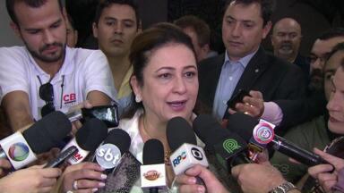 Ministras do Ambiente e da Agricultura visitam a Expô Londrina - Izabella Teixeira e Kátia Abreu chegaram ao parque no fim da manhã e falaram com a imprensa e com políticos da região.