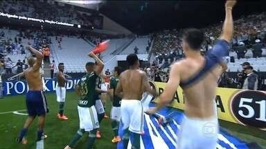 Santos e Palmeiras vão decidir o Paulistão - Na Arena Itaquera, o Verdão eliminou o Corinthians nos pênaltis. Na Vila Belmiro, o Peixe venceu o São Paulo.