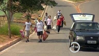 Moradores do Santa Júlia, em São José, dão exemplo de cidadania - Eles têm feito mutirões contra a dengue