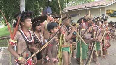 Comemoração ao Dia do Índio reúne cerca de 100 indígenas, em Cacoal - Celebração teve também escolha de Miss e Mister Indígena do município.Vencedores poderão representar cidade em eventos estaduais e nacionais.