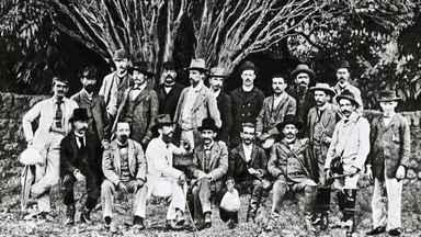 Conheça a história da comissão exploradora que escolheu o lugar da nova capital do Brasil - No fim do século XIX, o grupo de cientistas partiu do Rio de Janeiro em direção ao planalto central para escolher o lugar onde seria erguida a nova capital do país. O astrônomo Luiz Cruls chefiou a missão.