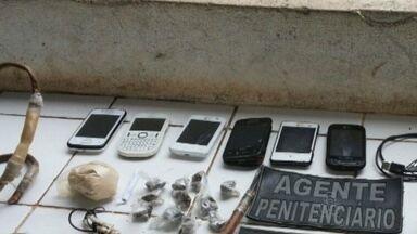 Agentes penitenciários encontram armas e drogas em revista no Iapen - Agentes penitenciários voltam a encontrar armas e drogas. Em nova revista dentro da penitenciária do estado.