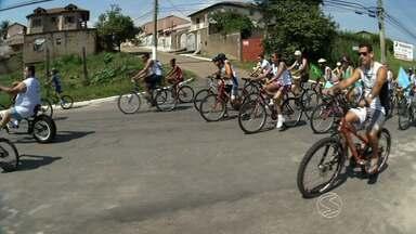 Passeio Ciclístico Bem Viver reúne mais de 600 pessoas em Resende, RJ - Evento, promovido pela TV Rio Sul, foi realizado na manhã de domingo (19); participantes percorreram 10 km entre sete bairros da cidade
