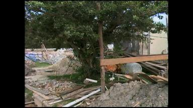Figueira embarga obra no posto de saúde na Ilha da Torotama - Trabalhos estão parados há duas semanas.
