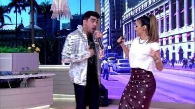 Gabriel Diniz canta com Aline Rosa 'Desce e Remexe' - Cantora participou da gravação do DVD do amigo