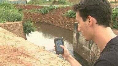 Técnicos do governo de SP mapeiam áreas de inundações em Barretos, SP - Levantamento é feito pela primeira vez na cidade para evitar problema.