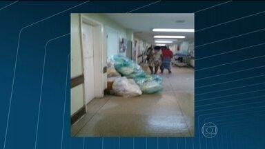 Após denúncia de pacientes, Comlurb faz mutirão em Hospital no Rio - Uma produtora do RJTV entrou no Hospital Rocha Faria, em Campo Grande, na Zona Oeste do Rio. Foi constatado que a situação da limpeza melhorou na unidade, mas ainda há sujeira em alguns lugares.