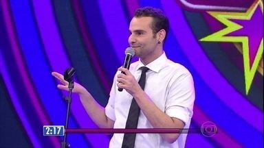 Gabriel Freitas se apresenta de cara limpa - Comediante conta histórias engraçadas