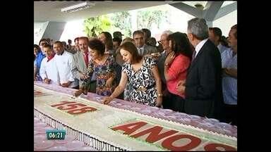 Caruaru tem dia de festa para comemorar emancipação - Teve corte de bolo e desfile da banda marcial.