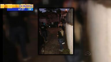 Operação cumpre mandados de busca contra homens acusados de agredirem companheiras - Ação conjunta envolve delegacias da mulher de Alvorada, Gravataí e Viamão, na Região Metropolitana.