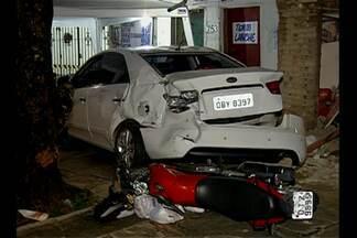Motorista invade casas Antônio Barreto, em Belém (PA) - O carro perdeu o controle e, por sorte, ninguém se feriu.